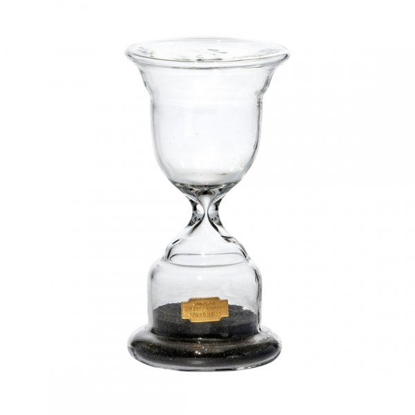 PUEBCO TROPHY SHAPED SANDGLASS WHITE N.3